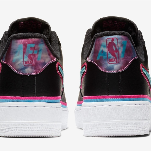 Nike Shoes   Air Force 1 Low Miami Heat